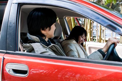 交通事故の同乗者への責任